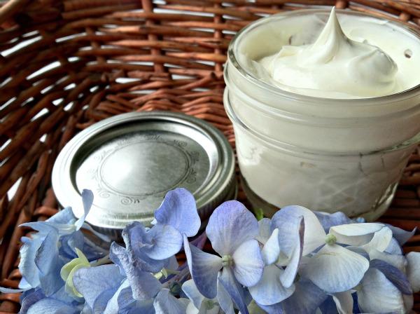 Homemade-Shaving-Cream-2
