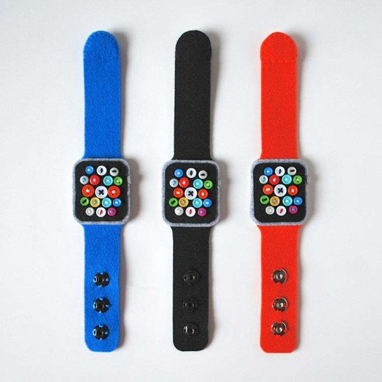 Super-Low-Tech-Apple-Watch-01-677x677