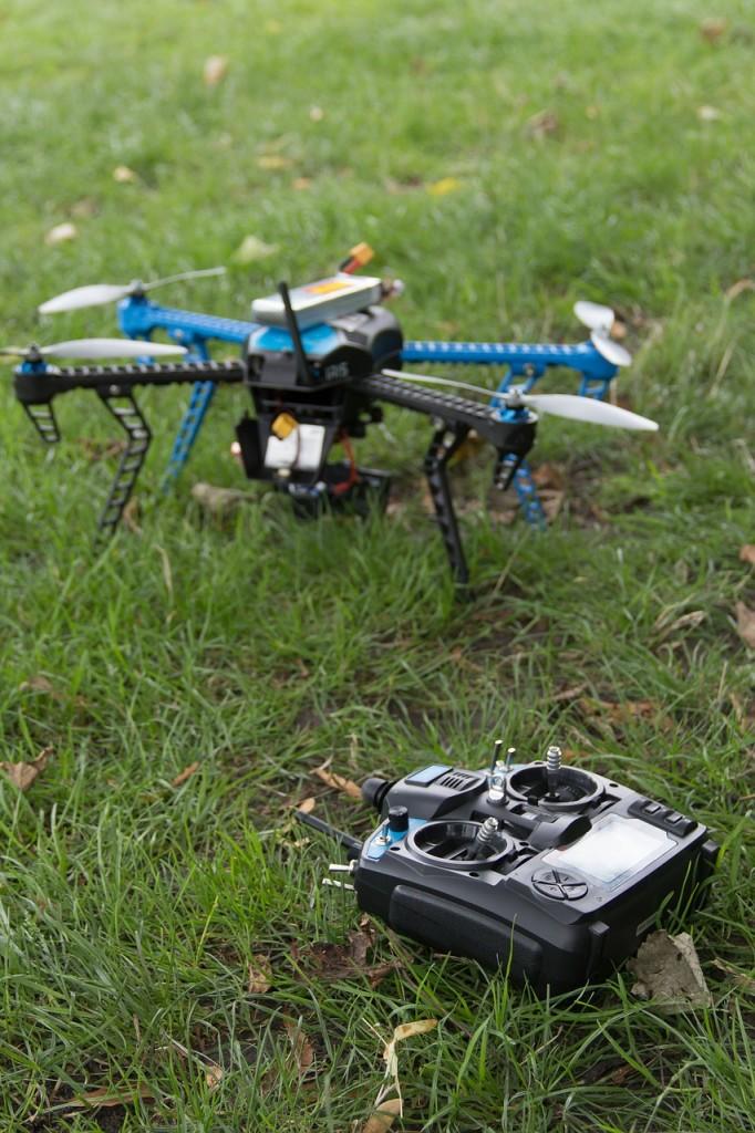 drone-464626_1280