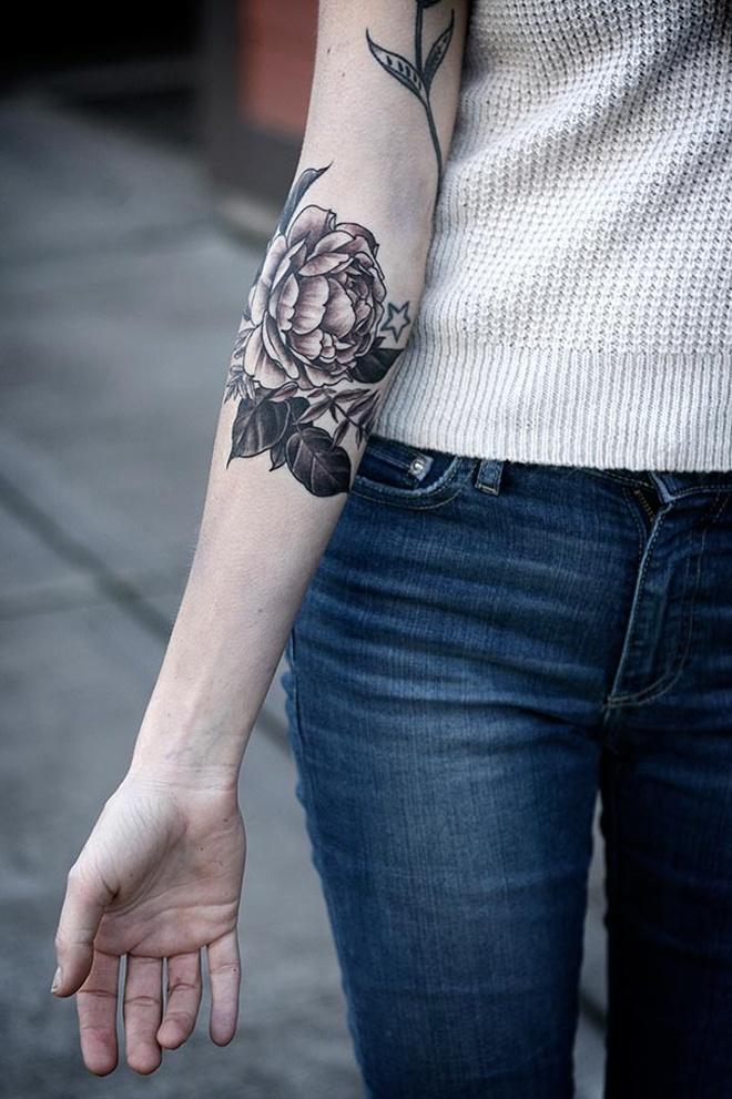 flower-plant-botanical-tattoos-alice-carrier-66