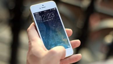 bezdrátová nabíječka iPhone