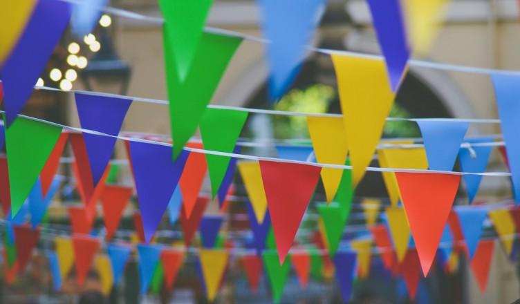 obchod s dárky ptákoviny karnevaly