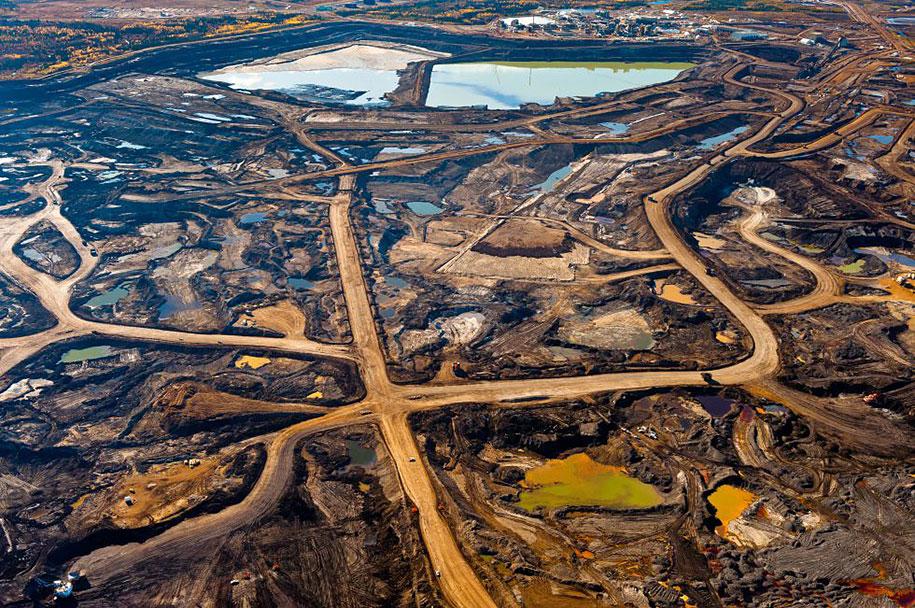pollution-trash-destruction-overdevelopement-overpopulation-overshoot-02