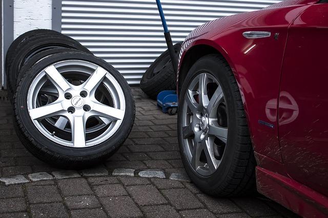 letní i zimní pneumatiky